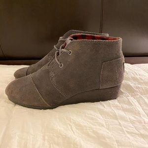 Toms gray Youth 4 Desert Wedge ankle boots